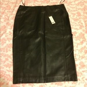 ROMEO AND JULIET SKIRT IN SZ M